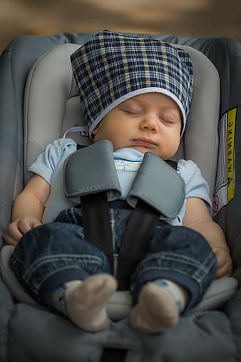 how to choose a car seat baby sleeping in car