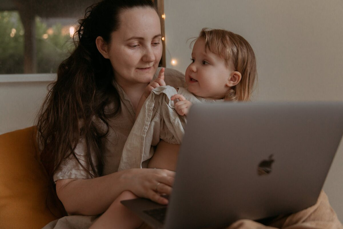 how to hire a good nanny tips